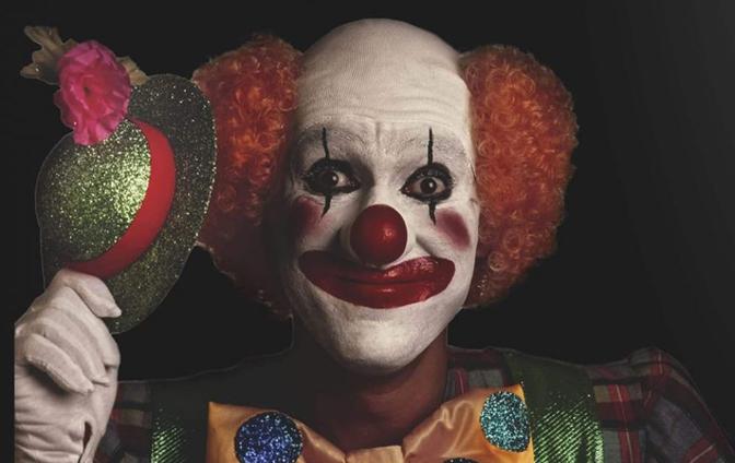 """A Contrada """"Circus in borgo"""" tra clown e giocolieri"""