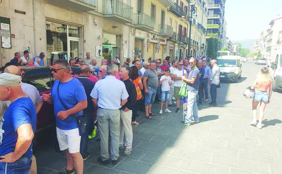 Forestali, De Luca lo sblocco di almeno due mensilità e si appella al Governo