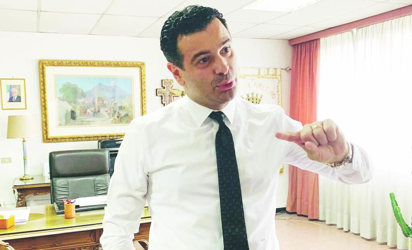 Calcio Avellino, arriva l'offerta di D'Agostino: l'appello del sindaco Festa