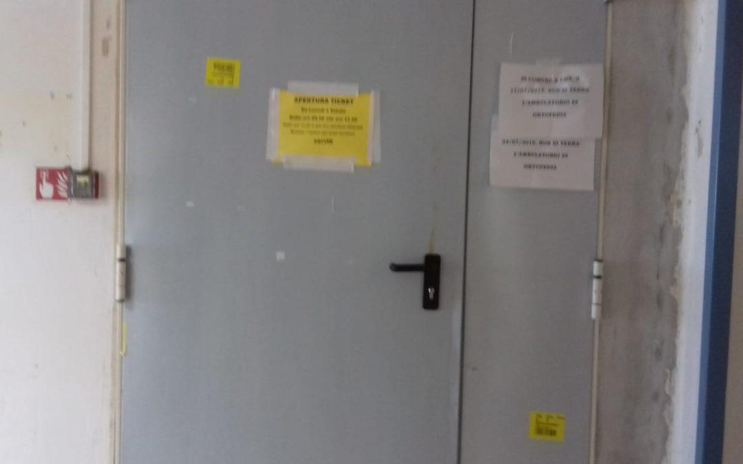 Tentano furto allo sportello ticket dell'ospedale di Tropea, ladri a mani vuote