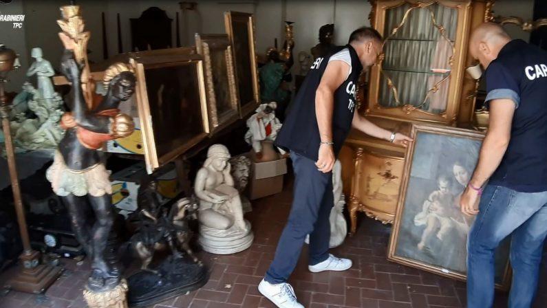 """VIDEO – """"Operazione Antiques"""" a Reggio Calabria, opere d'arte rubate e vendute in Francia"""