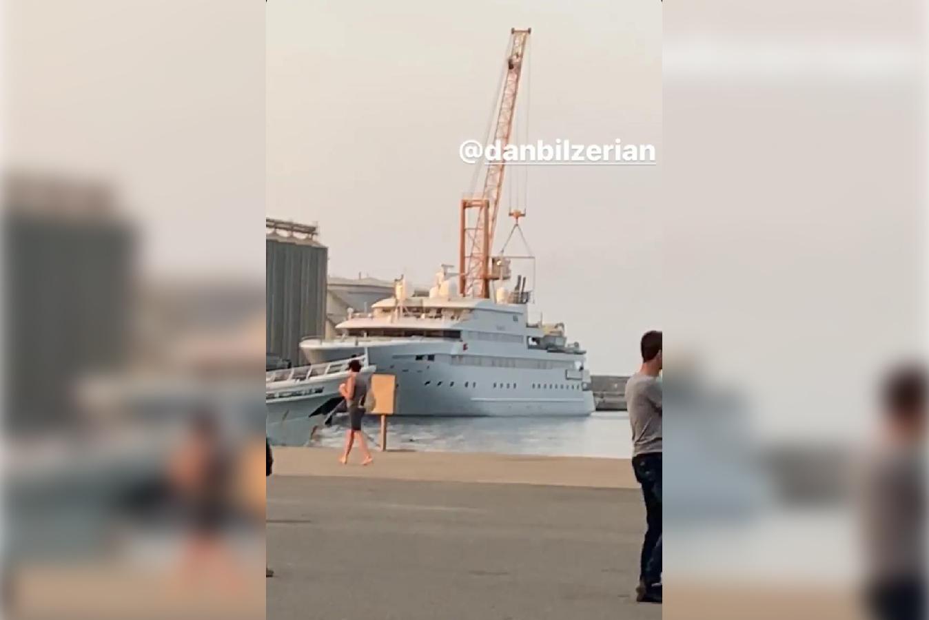 """Dan Bilzerian, il """"Re di instagram"""" a Vibo Marina  Il suo Yacht imponente attraccato al porto"""
