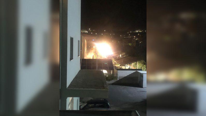 Incendio devasta il laboratorio Arpacal di CatanzaroDanni ingenti quantificati in alcuni milioni di euro