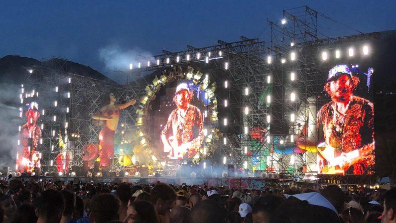 Quando un concerto diventa un'esplosione di vitaL'emozione dei partecipanti al Jova Beach Party
