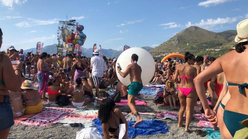 La grande festa del Jova Beach party a Praia a MareJovanotti infiamma i fans nella prima tappa calabrese