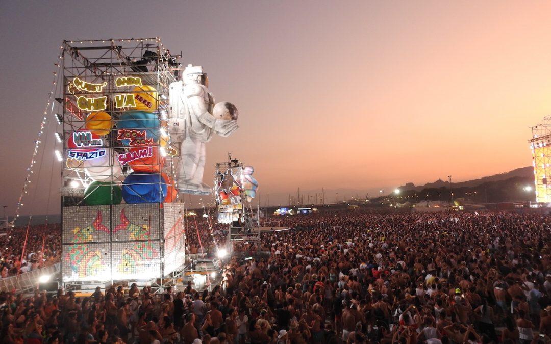 Roccella Ionica ombellico del mondo per un giorno  Il successo della seconda tappa calabrese del Jova Beach Party
