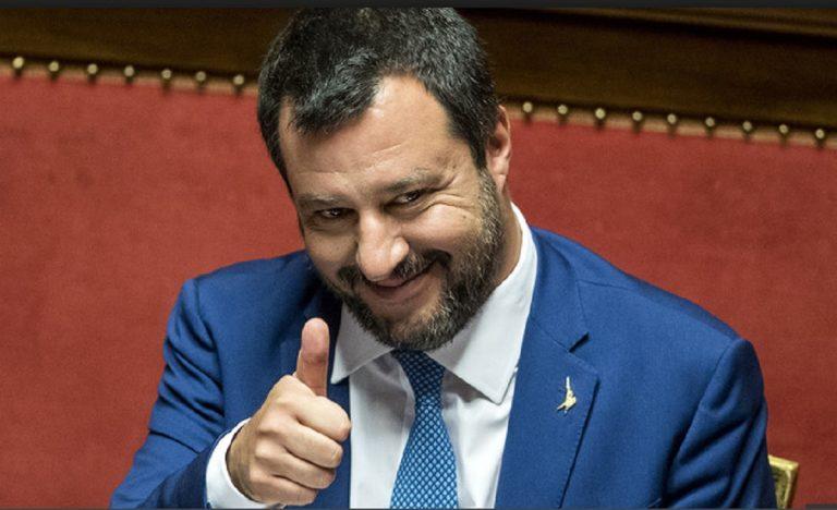 Salvini difende (ancora) l'ordinanza della Santelli: «Ha fatto bene a fare un passo in avanti in più»