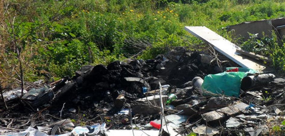 Nola: dà fuoco a rifiuti in un terreno, arrestato dai carabinieri forestali