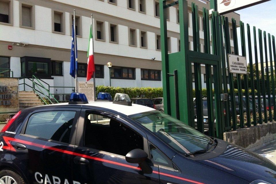 Ercolano: picchia il fratello e tenta di strangolarlo, arrestato dai carabinieri