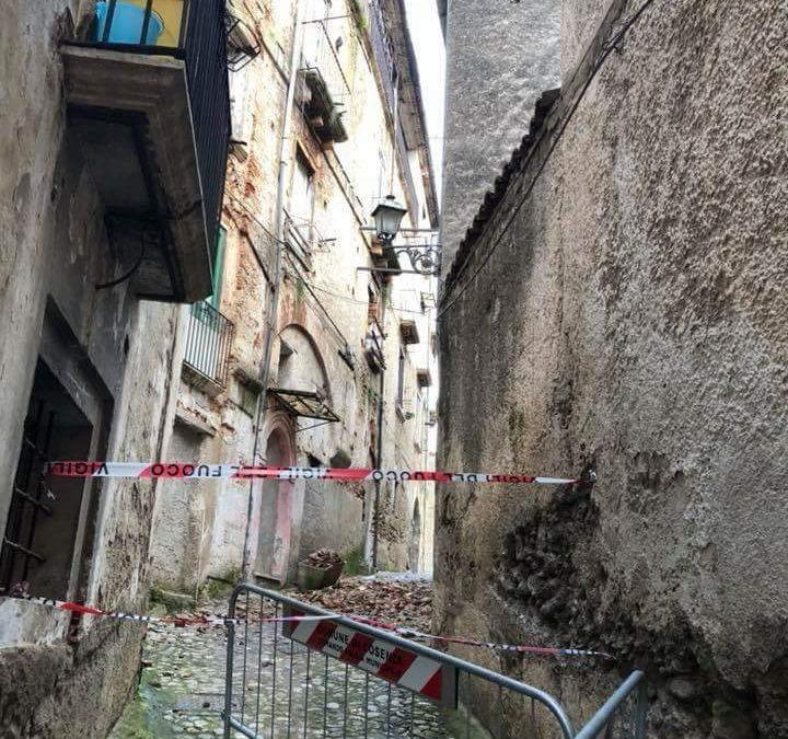 FOTO – Iniziativa per difendere il centro storico di Cosenza: il degrado e lo spopolamento
