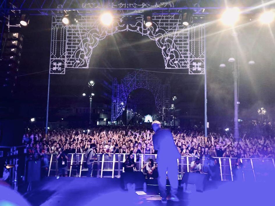 Bagno di folla per Ghemon, il concertone avellinese è un successo