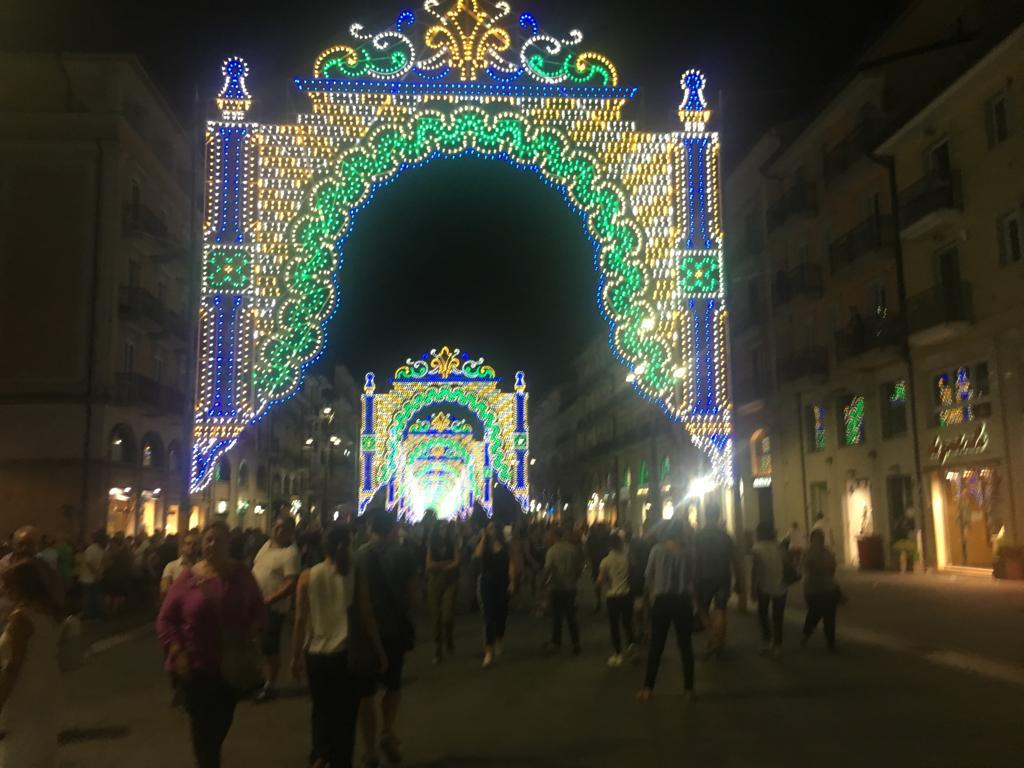 Luminarie ad Avellino, la città si riappropria della storia