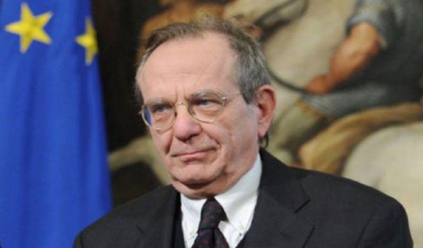 La follia della crisi a Ferragosto, intervista a Padoan«Un Sud forte serve all'Italia e all'Europa»