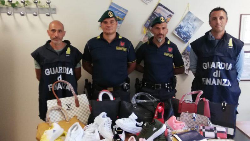 Contraffazione, sequestrata merce a SoveratoScoperti prodotti pericolosi e con marchi falsi