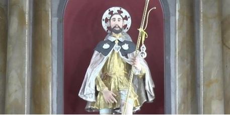 Pregiudicati tra i portatori della statua di San RoccoDopo le indagini annullata la processione nel Reggino