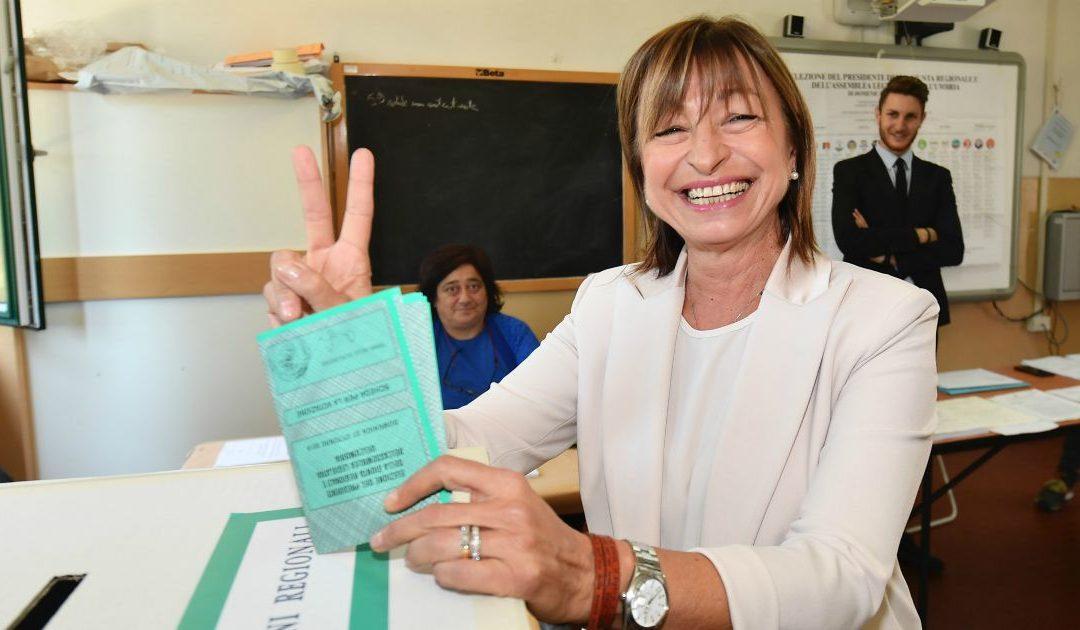 Il Centrodestra sfonda nell'Umbria rossa, Donatella Tesei eletta governatrice