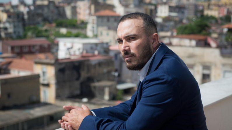 Francesco Di Leva: «Il mio Sindaco è in guerra»