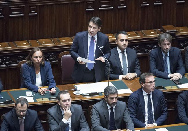 PUNTO E A CAPO - Bari, Alitalia, ex Ilva: è dura per il governo