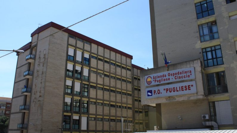 Coronavirus in Calabria, allarme posti letto anche a Catanzaro sia in reparto che in terapia intensiva