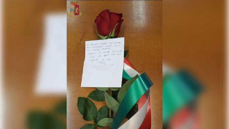 Poliziotti uccisi a Trieste, una rosa rossa consegnata in Questura a Vibo