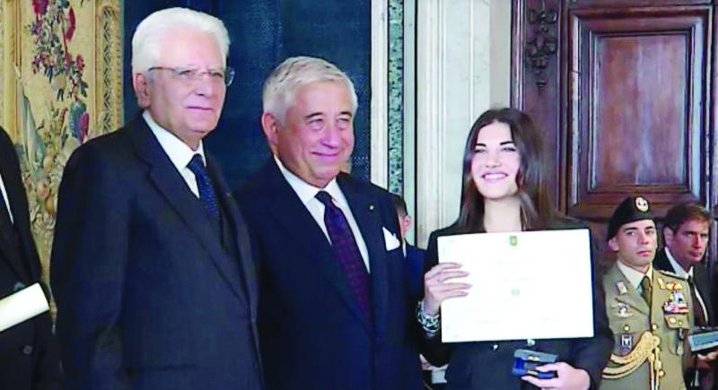 """Giovane Cosentina premiata come """"Alfiere del Lavoro"""" dal presidente Sergio Mattarella"""