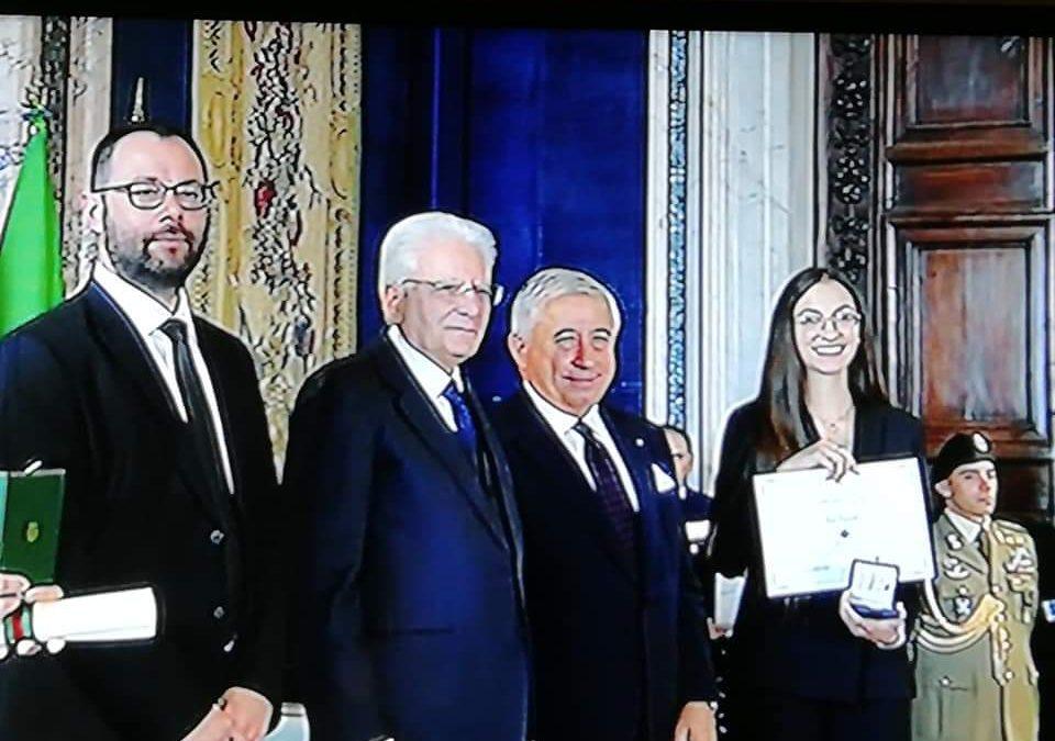 """Giovane vibonese premiata come """"Alfiere del Lavoro"""" dal presidente Sergio Mattarella"""