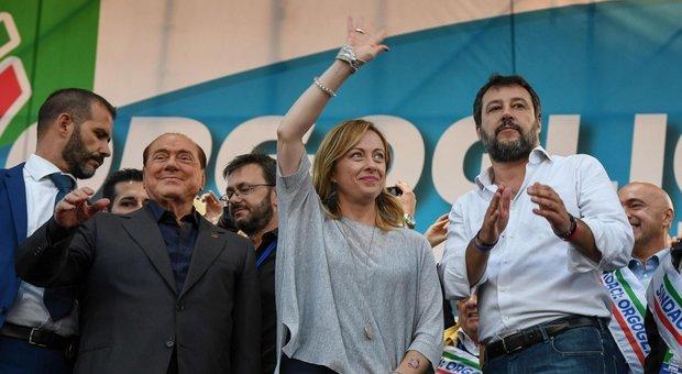 Berlusconi consegna il centrodestra a Salvini