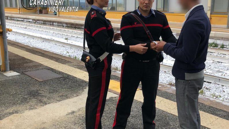 Giovane in cura si allontana dalla Sicilia, ritrovato a Pizzo. Carabinieri pagano il viaggio di ritorno