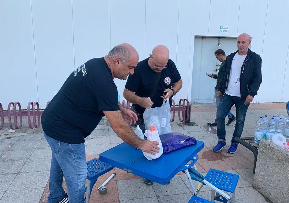 Licenziati con un messaggio, pranzo della domenica nel parcheggio del supermercato di Crotone