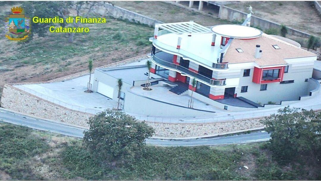 La villa confiscata e restituita a Caruso