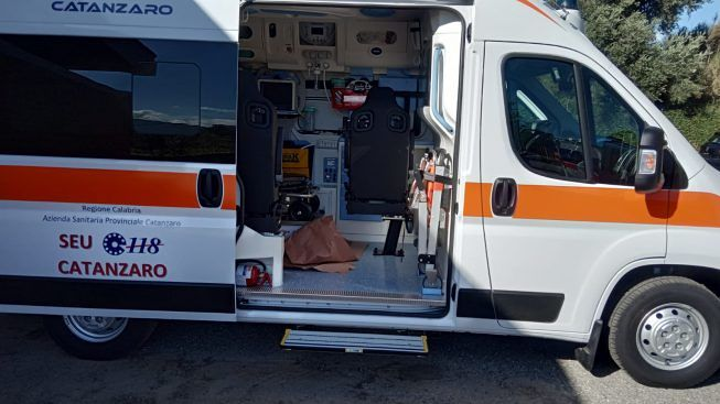 Sanità, 118 nel caos a Catanzaro: l'ira dei medici: «Pronti a dimetterci»