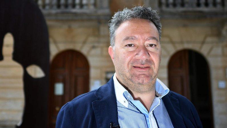Il tribunale dichiara decaduto il sindaco di Riace, Trifoli: «Sono sconcertato»