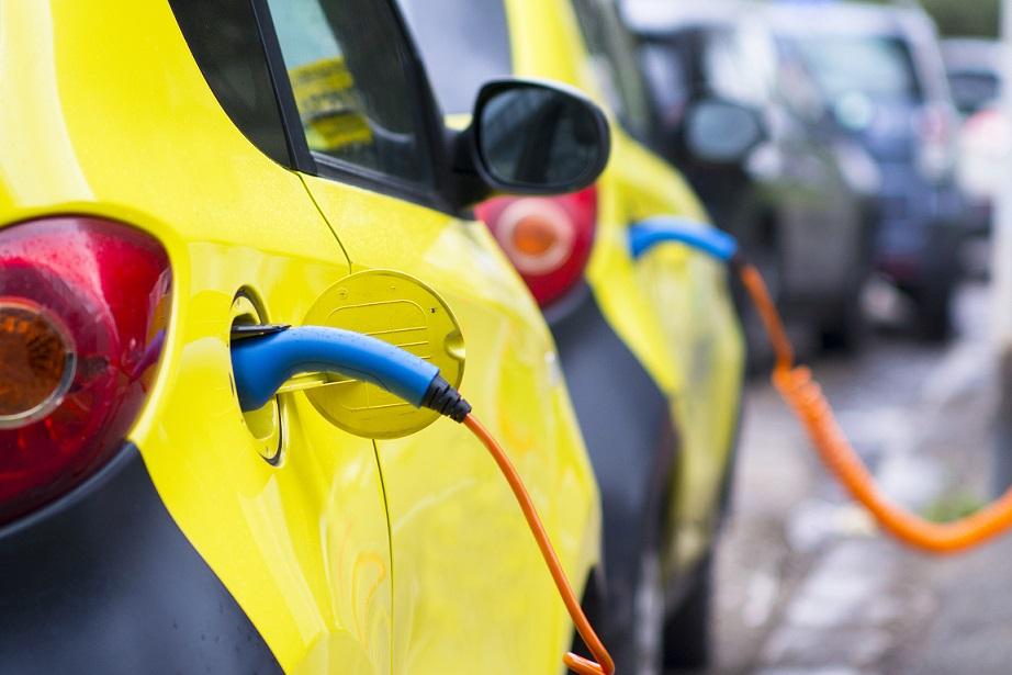 In Campania solo lo 0,13% delle auto è elettrico