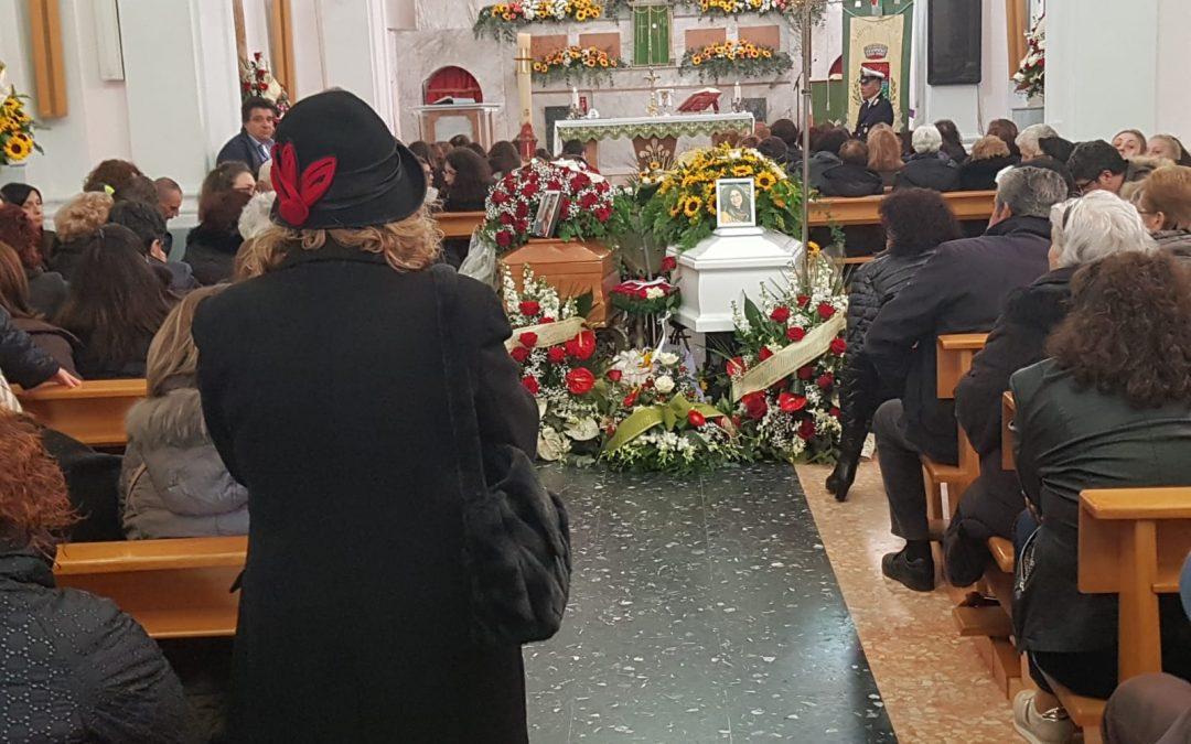 Madre e figlia morte in un incidente, lacrime e dolore nel Vibonese
