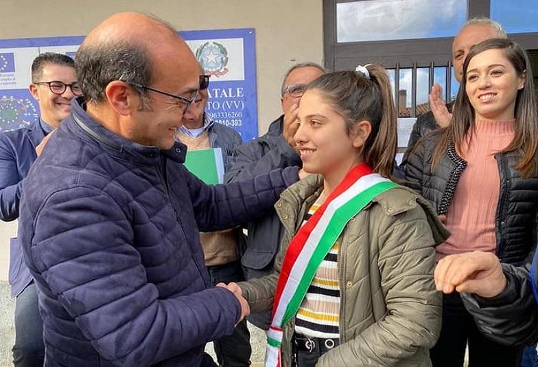 Mileto, eletto il primo Sindaco dei ragazzi della città ed è una ragazza: Giulia Ciccone