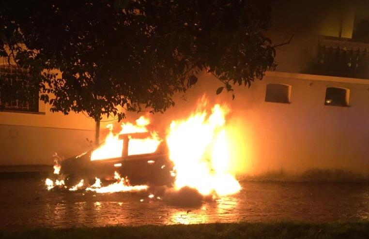 Dataalle fiamme l'automobile di un sacerdote nel Vibonese