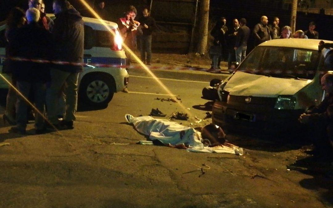 Reggio Calabria, incidente stradale tra un'auto e una moto, muore un giovane