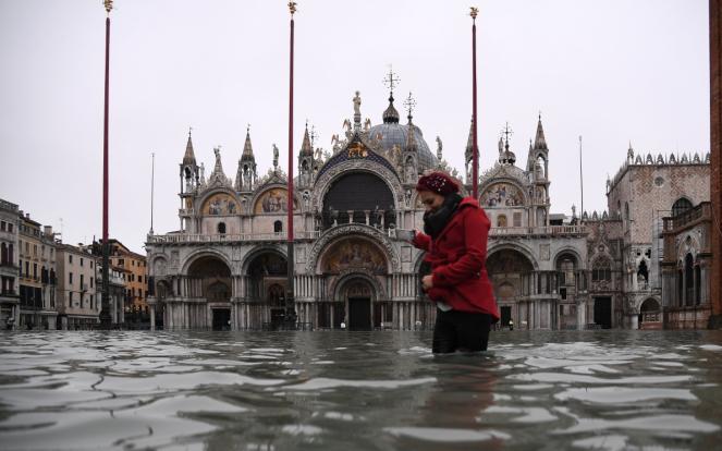 L'editoriale del direttore Roberto Napoletano L'ALTRAVOCE dell'Italia La doppia emergenza industriale e ambientale Taranto e Venezia, l'Italia chiude
