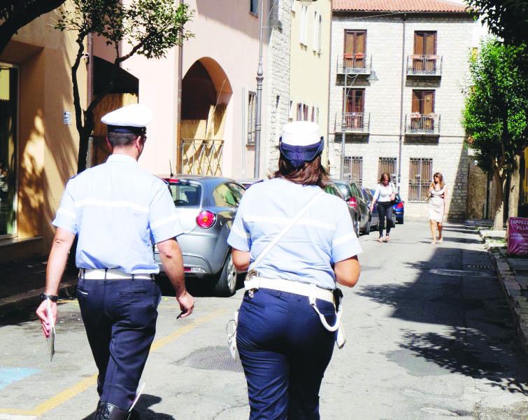 Potenza, sindacati contro il prolungamento di orario della polizia locale: «Un atto grave»