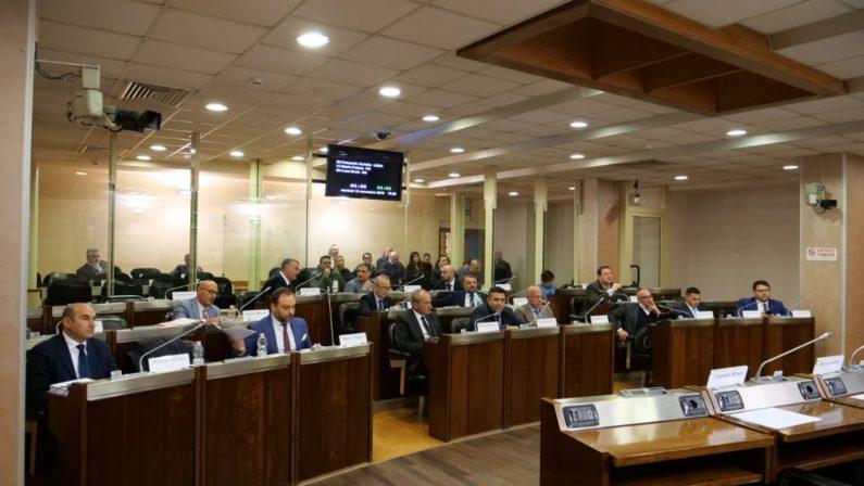 Barresi, dietrofront maggioranza: la Lega si spacca sulle dimissioni del dg