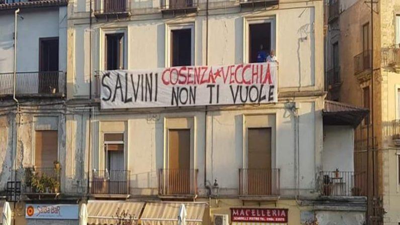 """Le """"sardine"""" pronte a scendere in piazza anche in Calabria: prima iniziativa a Cosenza"""