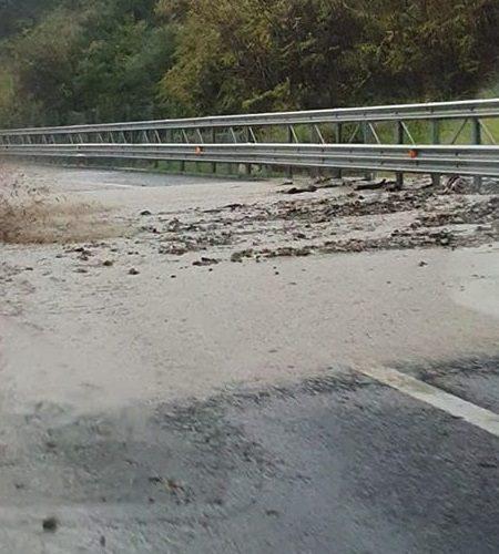 Maltempo in Calabria, viabilità in ginocchio. Disagi anche in autostrada