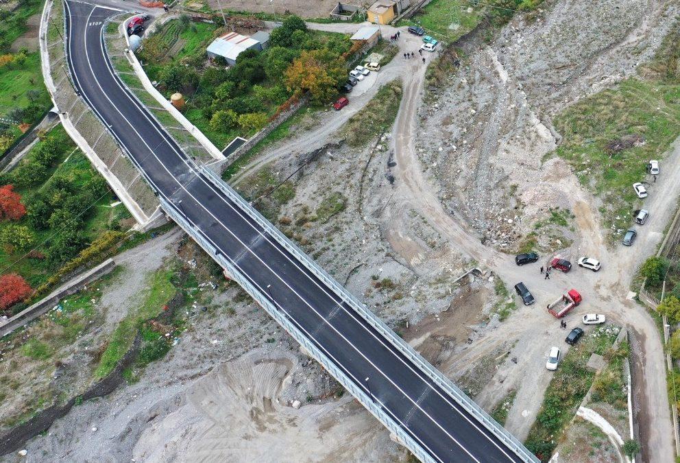 Taglio del nastro per il ponte di Paterriti. Falcomatà: «Finalmente, era atteso da decenni»