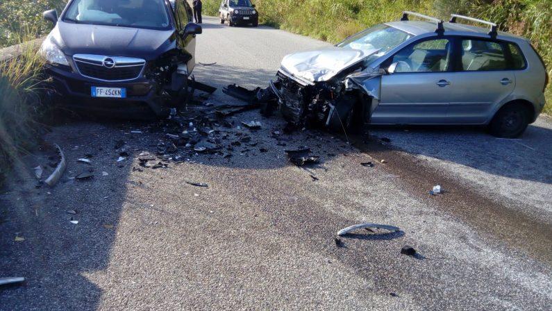 Incidente stradale nel Vibonese, grave una donna. Ferite altre due persone