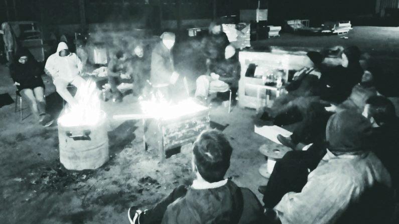 Ferrosud, vertenza in Regione ma la protesta continua