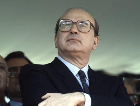 """I socialisti  irpini si ritrovano al cinema per """"Hammamet"""", il film su Craxi"""
