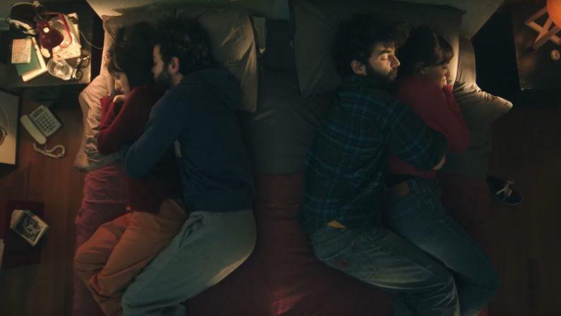 """Brunori Sas, il nuovo video """"Per due che come noi"""" è già un successo su Youtube - VIDEO"""