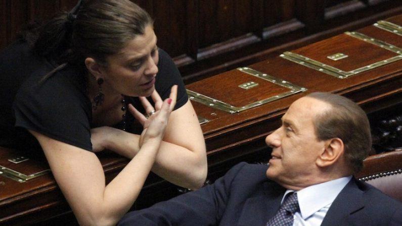 Forza Italia annuncia Jole Santelli candidata alla presidenza della Regione. Ma Berlusconi frena