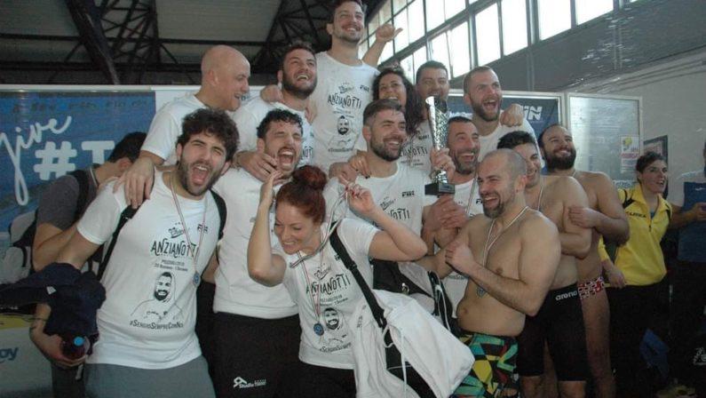 """Nuoto, la società cosentina """"Anzianotti"""" conquista il secondo posto nella prima trasferta stagionale in Campania"""