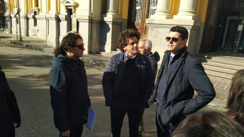 Regionali, il M5S deposita le liste a Catanzaro. Aiello: «Inizia di fatto la campagna elettorale»